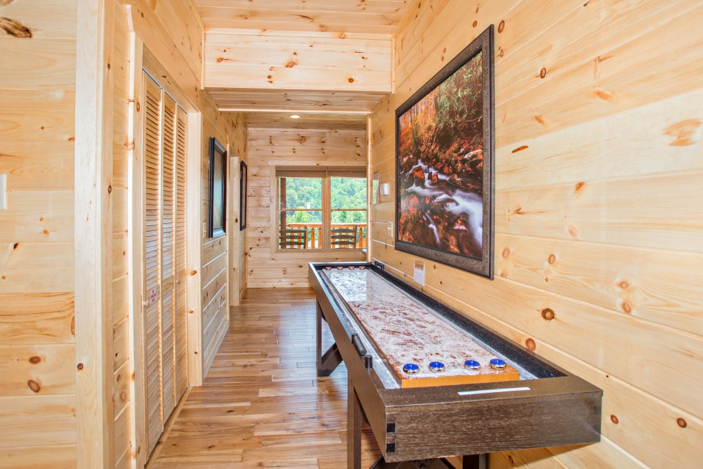Photo of a Gatlinburg Cabin named Living The Dream - This is the seventeenth photo in the set.