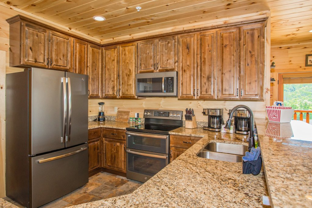 Photo of a Gatlinburg Cabin named Living The Dream - This is the twelfth photo in the set.