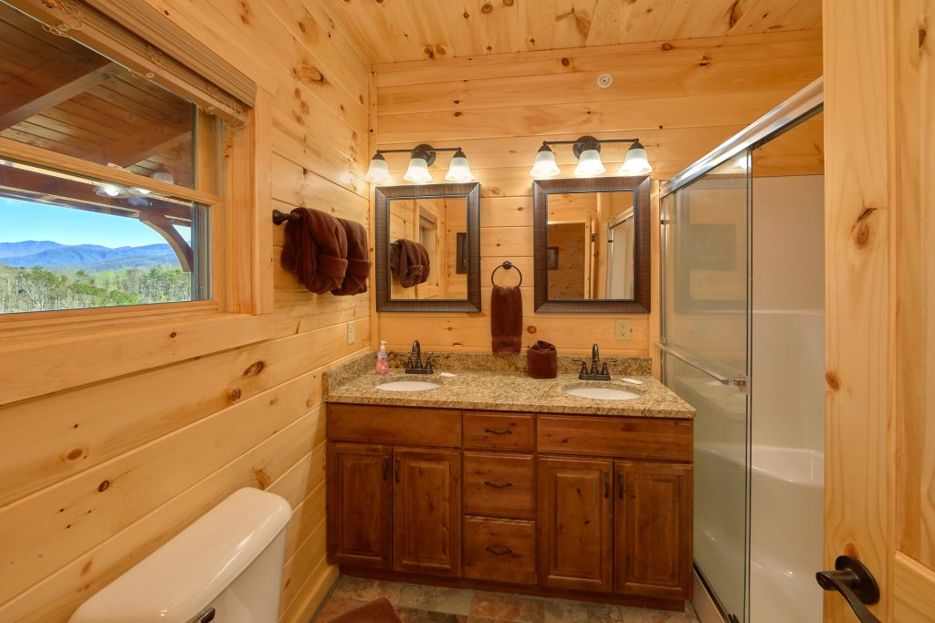 Photo of a Gatlinburg Cabin named Living The Dream - This is the fortieth photo in the set.