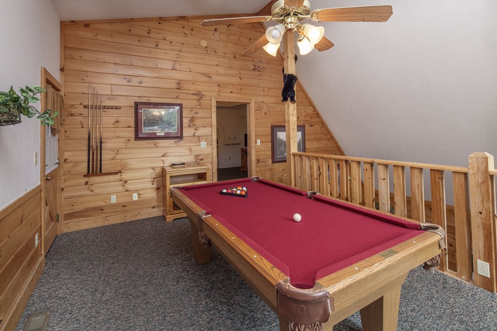 Photo of a Pigeon Forge Cabin named  Black Bear Hideaway - This is the eight hundred and eighty-eighth photo in the set.
