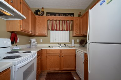 Upgraded 2 Br, Affordable, Clean, Virtual Checkin/checkout, City View