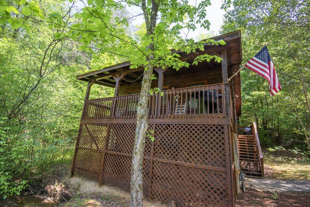 Photo of a Pigeon Forge Condo named  Jalyn's Treehouse - This is the two thousand one hundredth photo in the set.