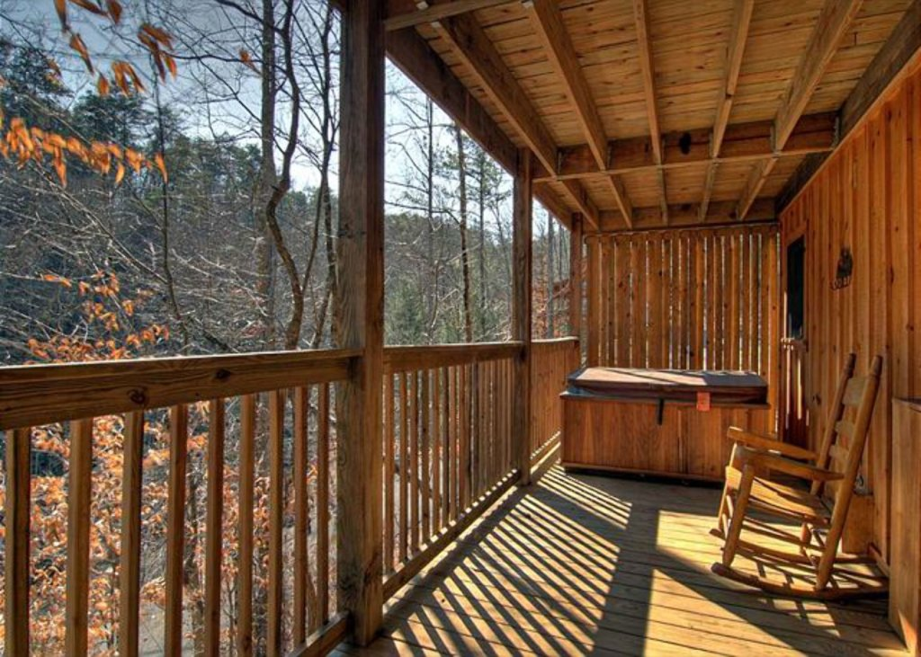 Photo of a Pigeon Forge Cabin named Mystic Mountain - This is the one thousand one hundred and seventy-seventh photo in the set.
