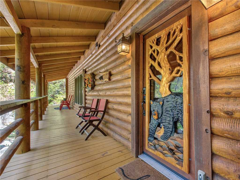 Photo of a Cosby Cabin named Black Bear Lodge - This is the thirty-second photo in the set.