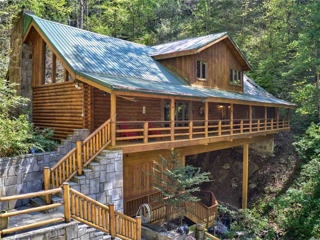 Photo of a Cosby Cabin named Black Bear Lodge - This is the thirty-third photo in the set.