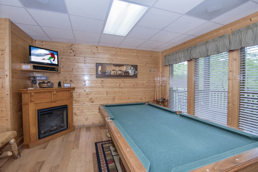 Photo of a Sevierville Cabin named  Eagle's Dream - This is the two hundred and ninety-third photo in the set.