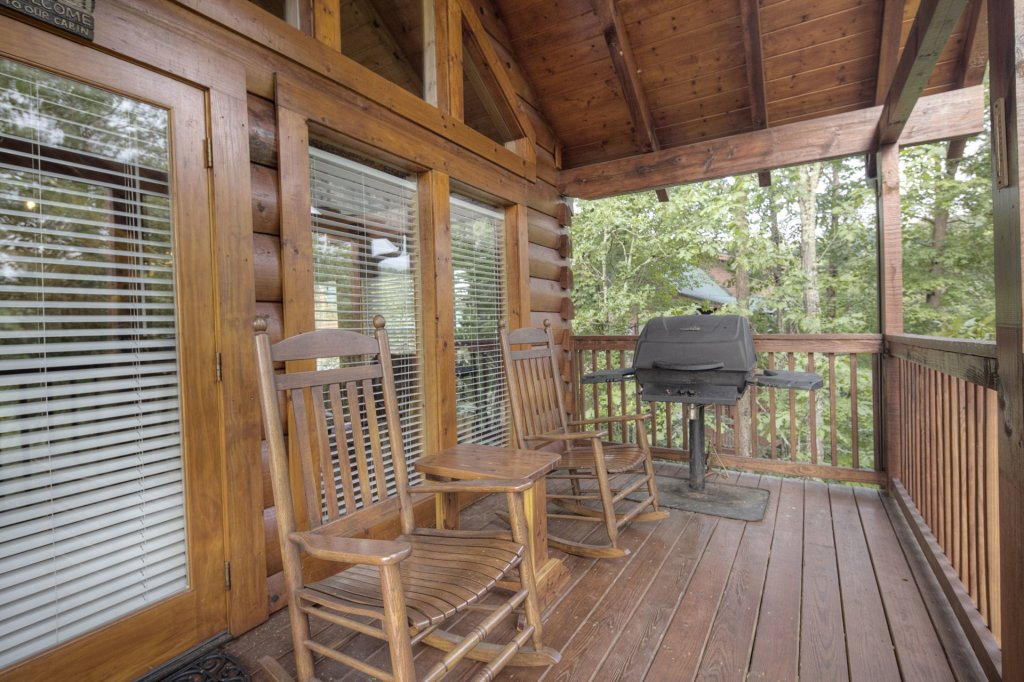 Photo of a Sevierville Cabin named  Eagle's Dream - This is the two hundred and thirty-ninth photo in the set.