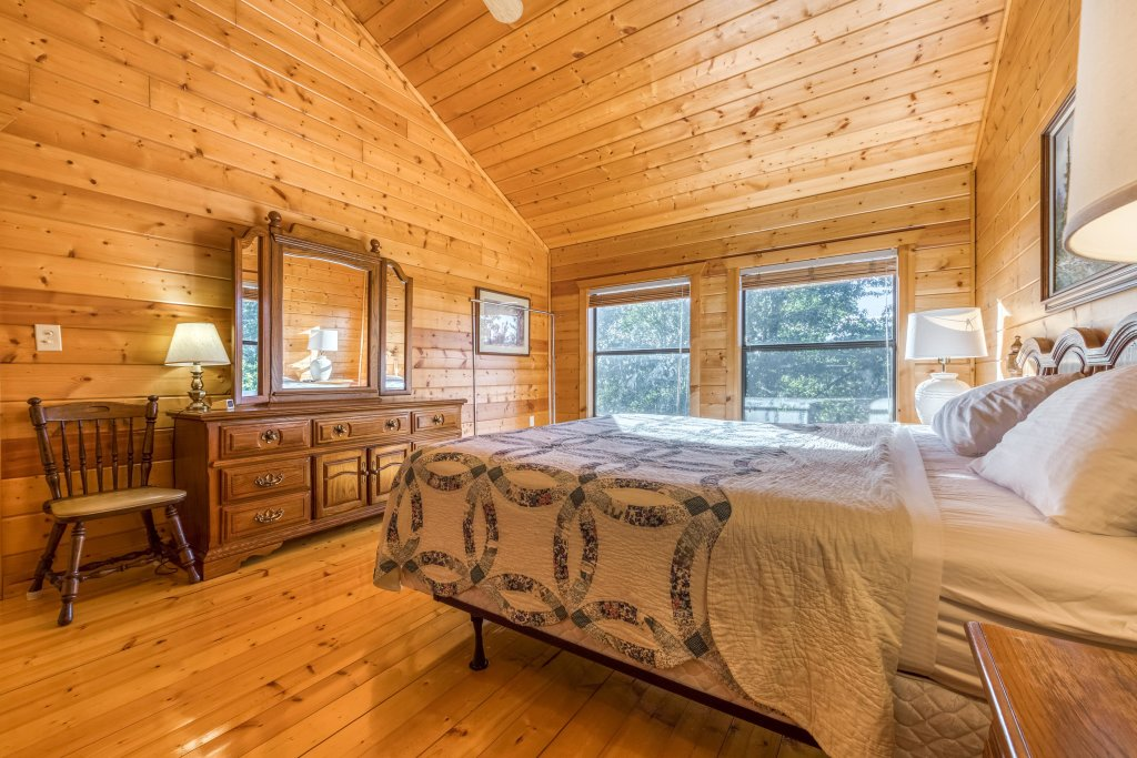 Photo of a Pigeon Forge Cabin named Cloud 9 - This is the fourteenth photo in the set.