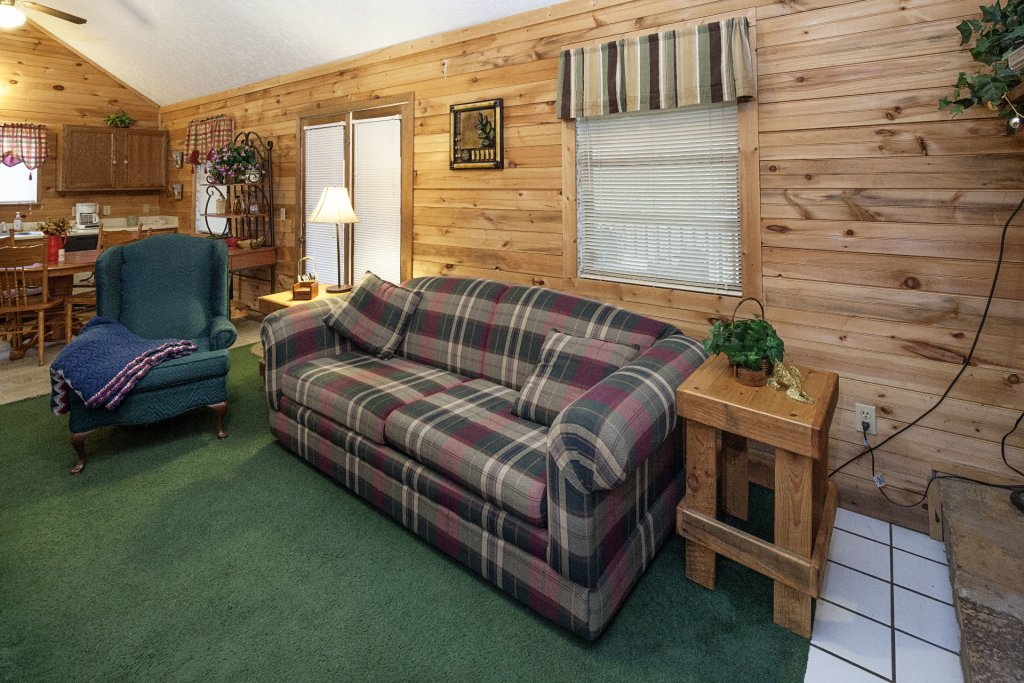 Photo of a Pigeon Forge Cabin named Natures View - This is the one hundred and second photo in the set.