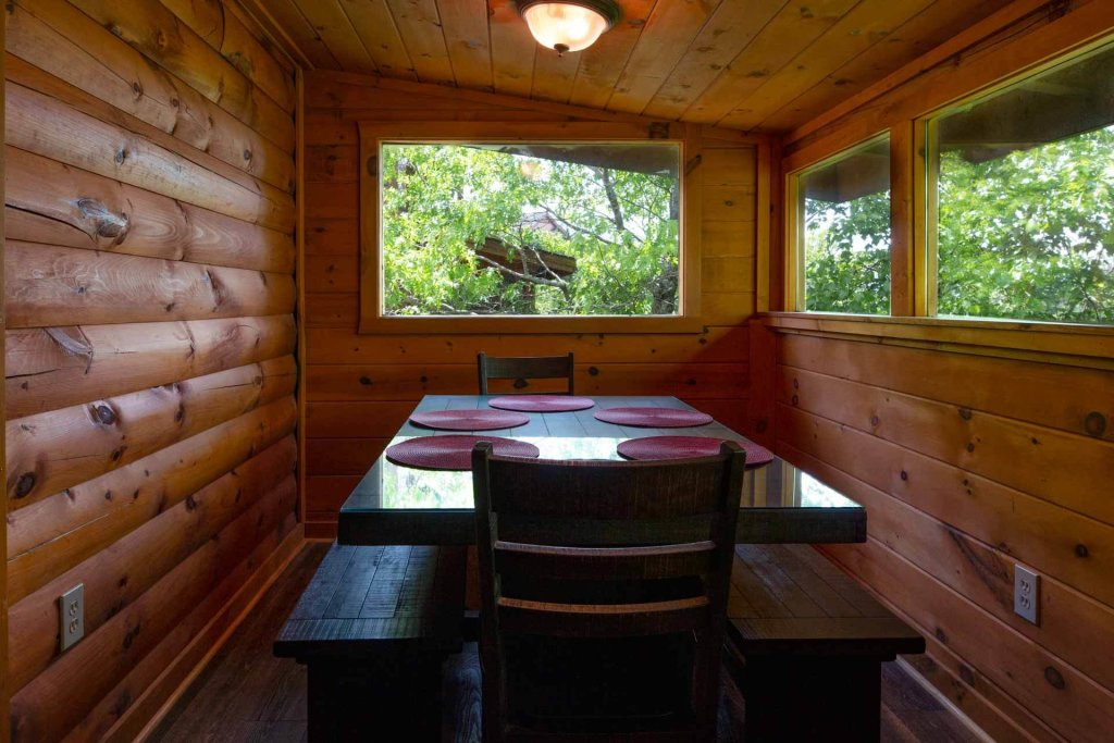 Photo of a Pigeon Forge Cabin named 839a Golf View Cabins Rockin' Robin - This is the twenty-eighth photo in the set.