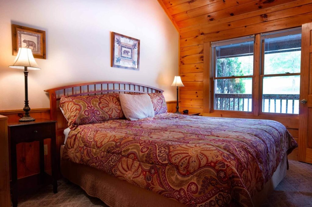 Photo of a Pigeon Forge Cabin named 839a Golf View Cabins Rockin' Robin - This is the twenty-first photo in the set.