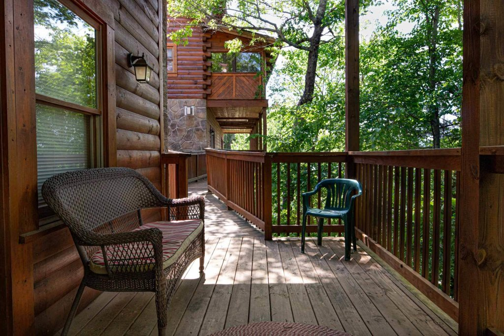 Photo of a Pigeon Forge Cabin named 839a Golf View Cabins Rockin' Robin - This is the thirtieth photo in the set.