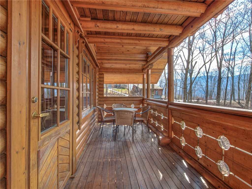 Photo of a Gatlinburg Cabin named Hibernation Station - This is the twenty-seventh photo in the set.