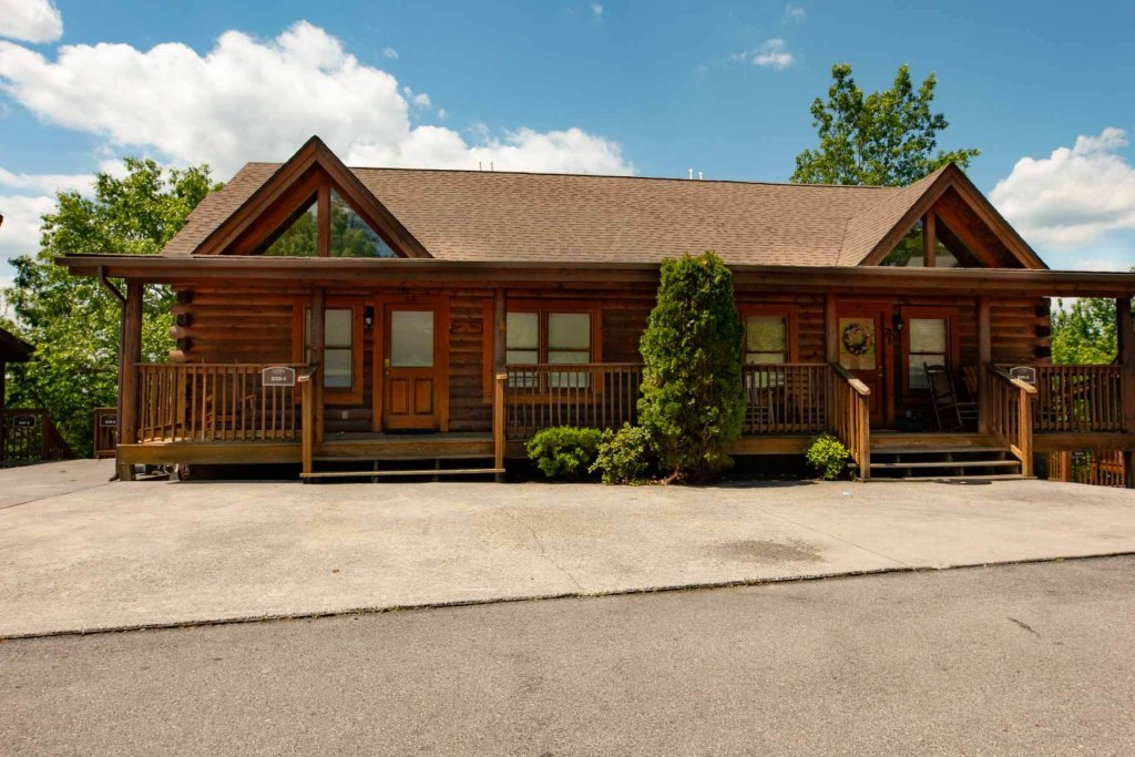 Photo of a Pigeon Forge Cabin named 839a Golf View Cabins Rockin' Robin - This is the thirty-first photo in the set.