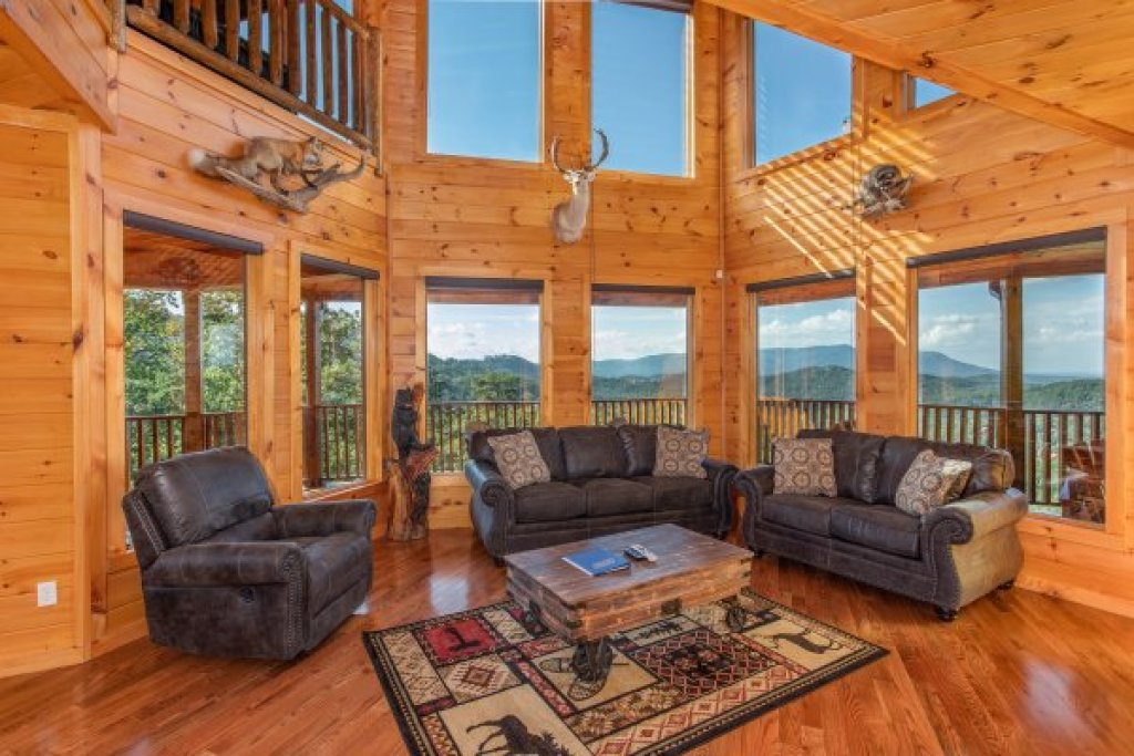 Photo of a Sevierville Cabin named Four Seasons Palace - This is the sixth photo in the set.