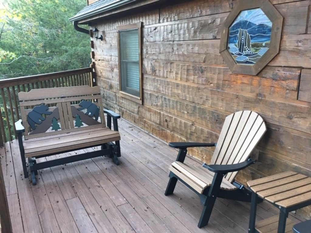 Photo of a Pigeon Forge Cabin named  Best Of Both Worlds - This is the one thousand seven hundred and seventeenth photo in the set.