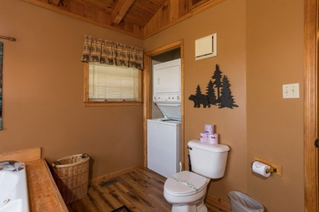 Photo of a Pigeon Forge Cabin named Cozy Mountain View - This is the eleventh photo in the set.