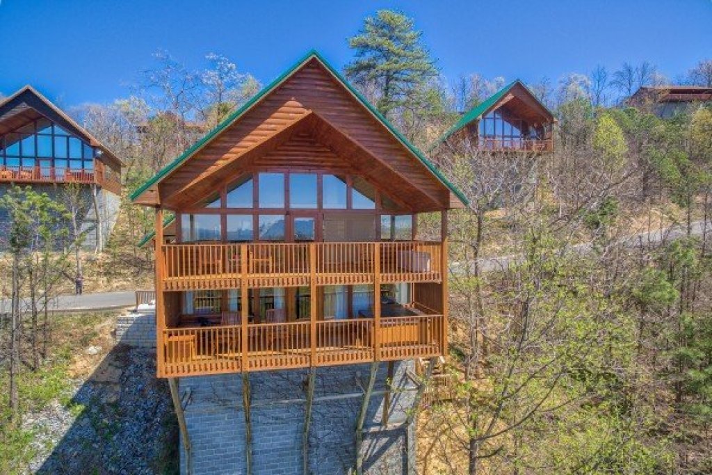 Photo of a Pigeon Forge Cabin named All That Jazz - This is the third photo in the set.