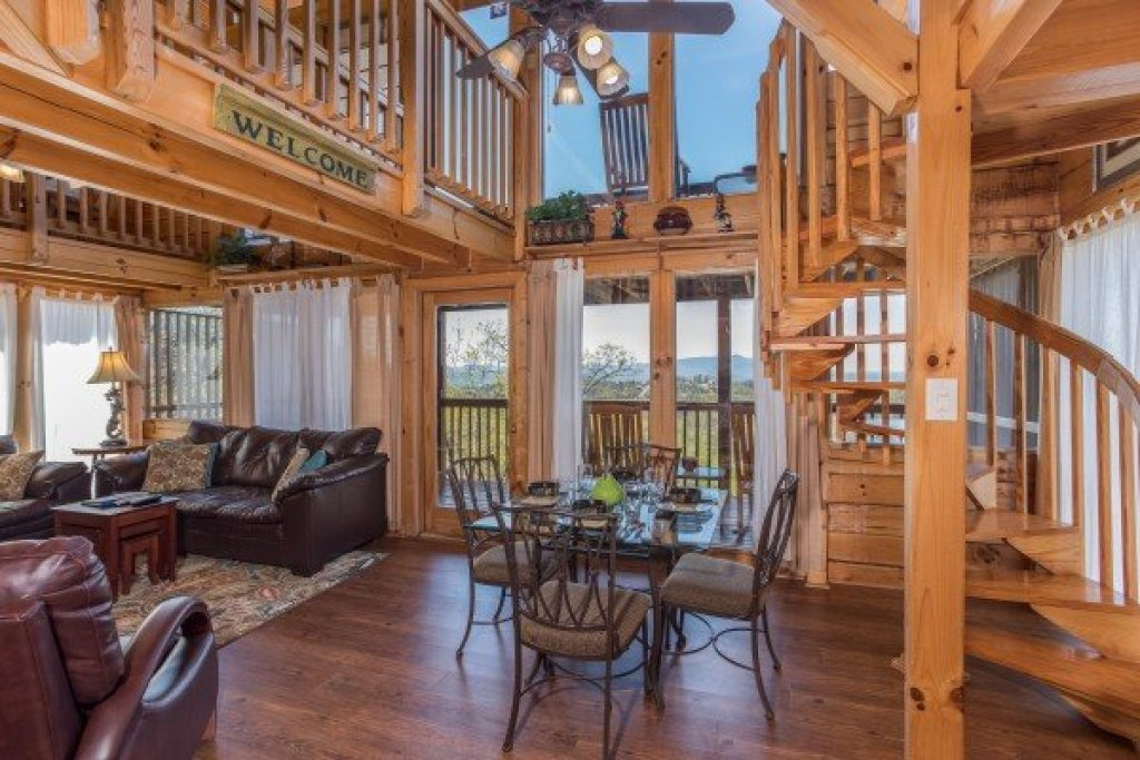 Photo of a Pigeon Forge Cabin named All That Jazz - This is the eighth photo in the set.