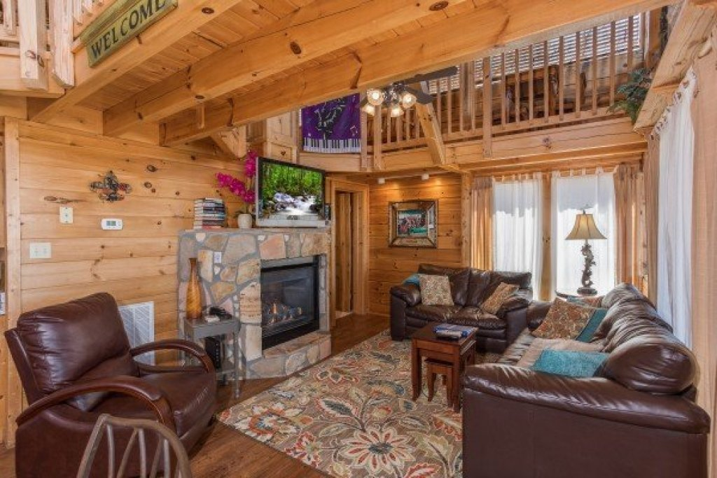 Photo of a Pigeon Forge Cabin named All That Jazz - This is the sixth photo in the set.