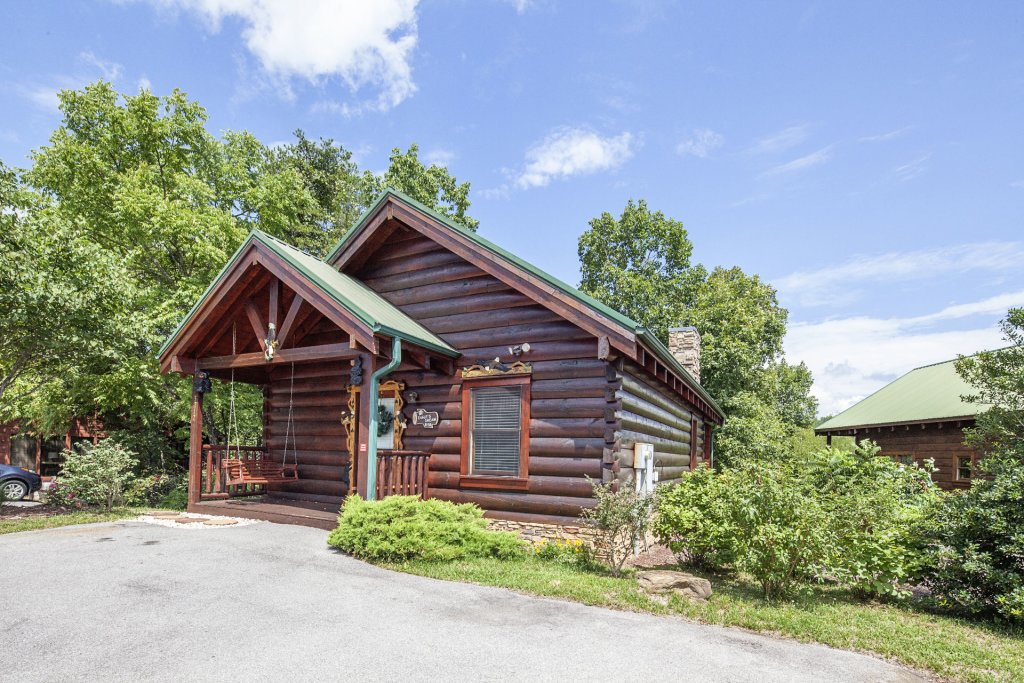 Photo of a Sevierville Cabin named  Eagle's Dream - This is the third photo in the set.