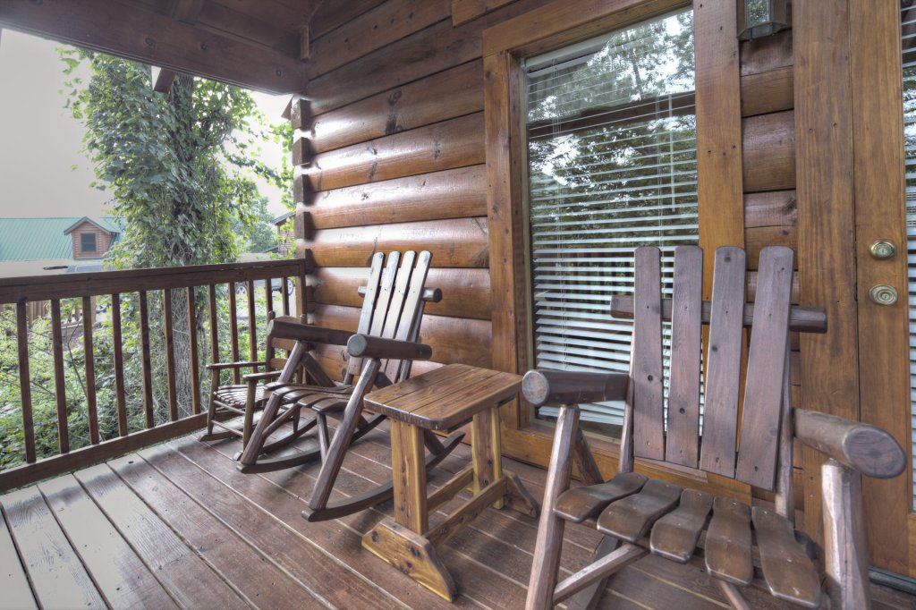 Photo of a Sevierville Cabin named  Eagle's Dream - This is the two hundred and seventy-fourth photo in the set.
