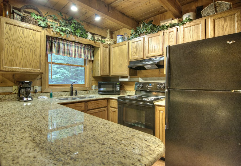Photo of a Pigeon Forge Cabin named The Loon's Nest (formerly C.o.24) - This is the four hundredth photo in the set.