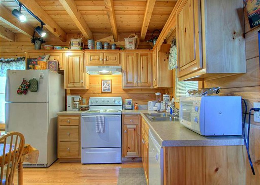 Photo of a Pigeon Forge Cabin named Mystic Mountain - This is the eight hundred and fifty-fifth photo in the set.