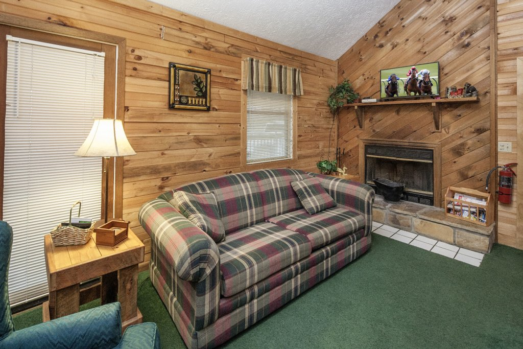 Photo of a Pigeon Forge Cabin named Natures View - This is the one hundred and fifty-first photo in the set.