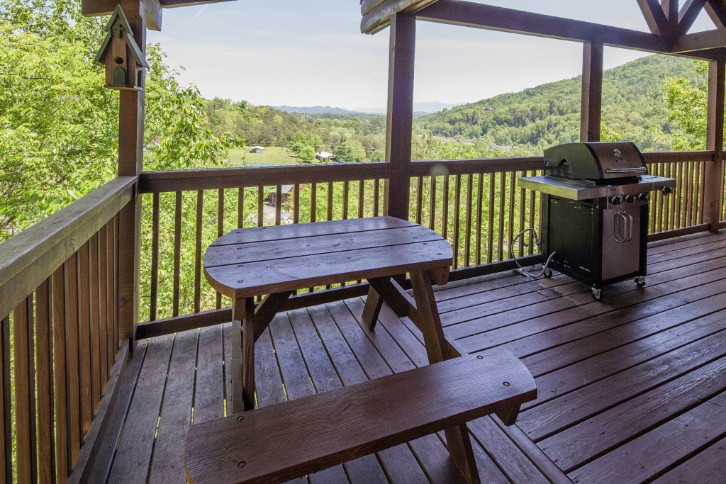 Photo of a Sevierville Cabin named  Absolute Paradise - This is the one thousand two hundred and seventy-second photo in the set.