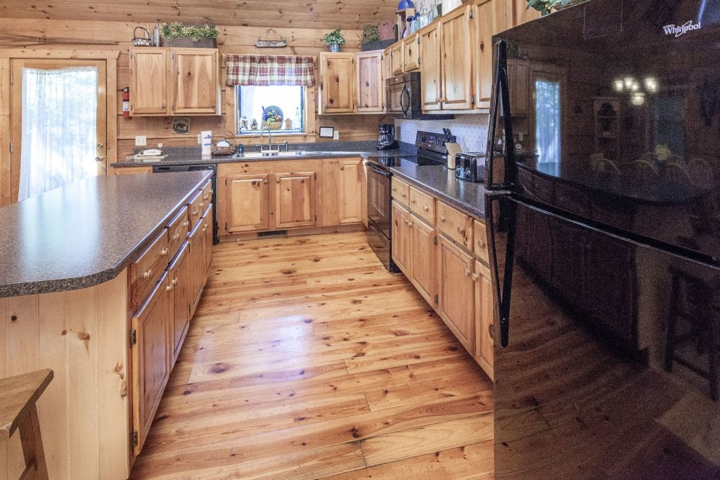 Photo of a Pigeon Forge Cabin named  Best Of Both Worlds - This is the four hundredth photo in the set.