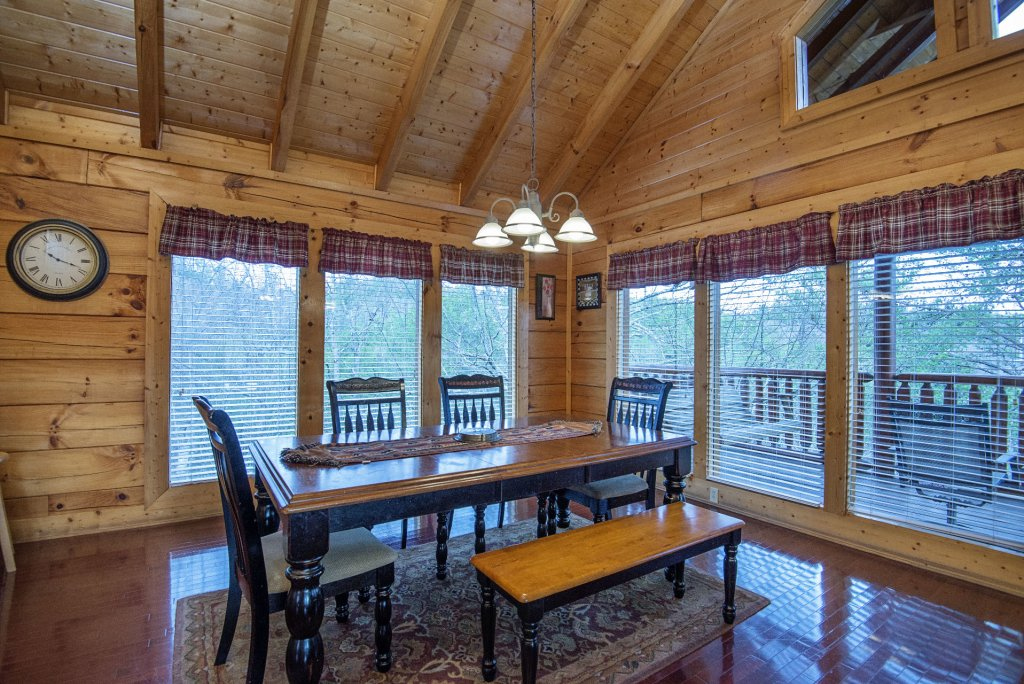 Photo of a Sevierville Cabin named  Almost Paradise - This is the five hundred and seventy-sixth photo in the set.