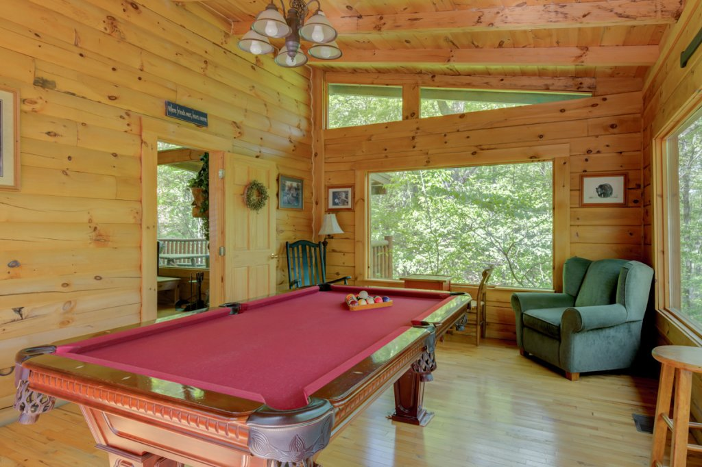 Photo of a Sevierville Cabin named Whispering Pines #33 - This is the sixteenth photo in the set.