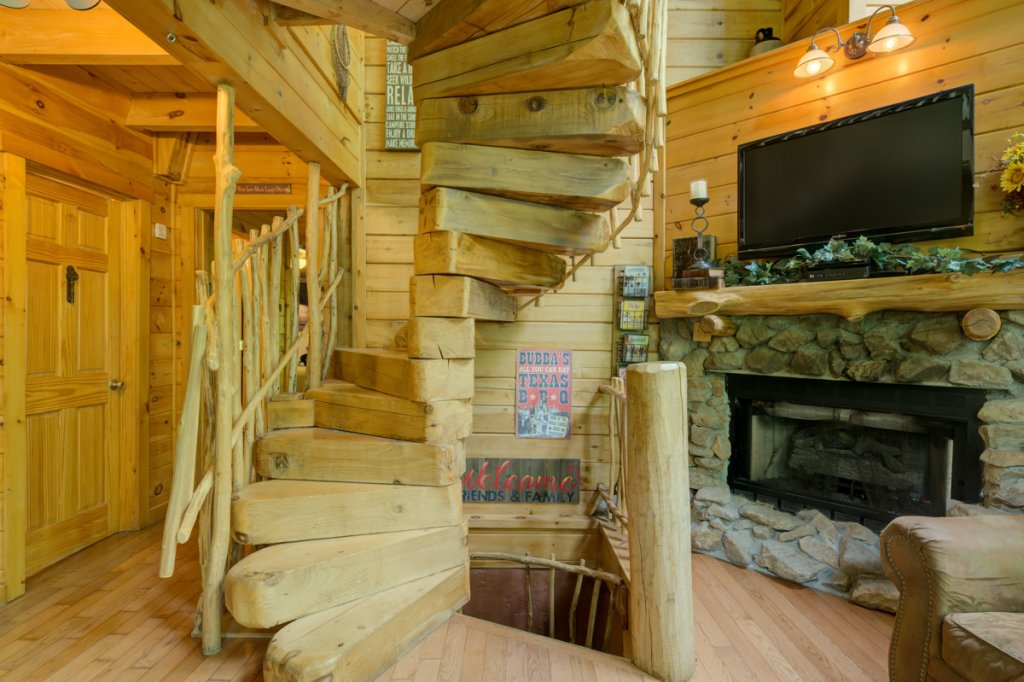 Photo of a Sevierville Cabin named Higher Ground #21 - This is the fifteenth photo in the set.
