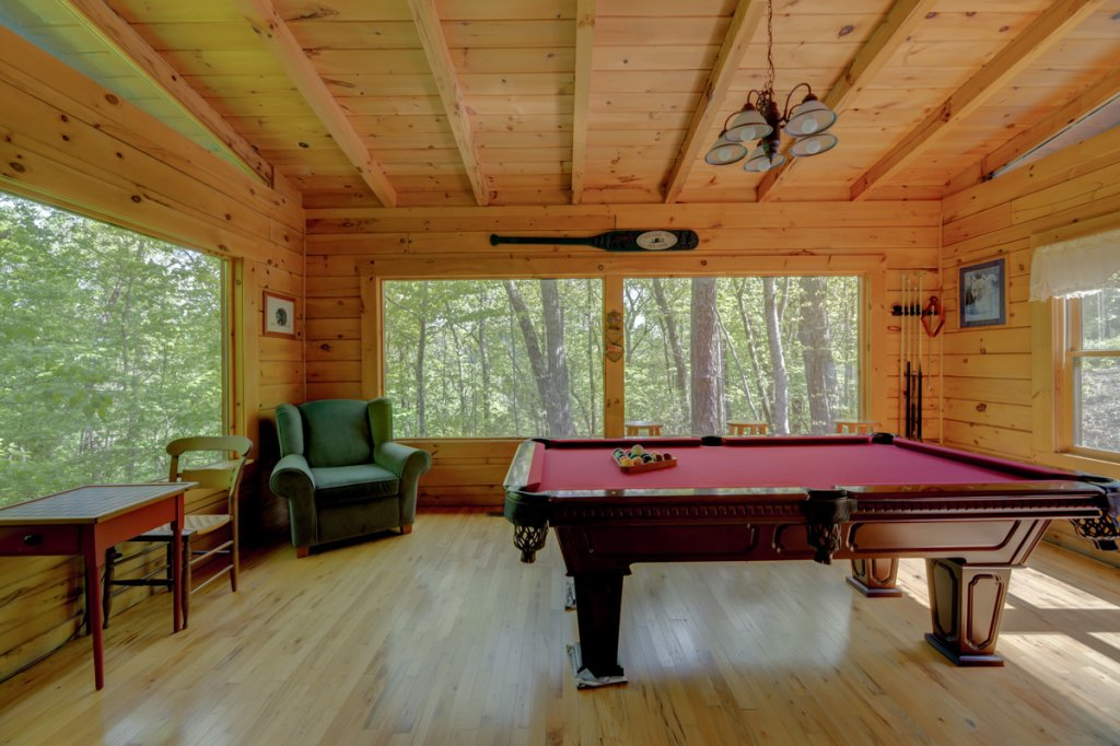 Photo of a Sevierville Cabin named Whispering Pines #33 - This is the eighteenth photo in the set.