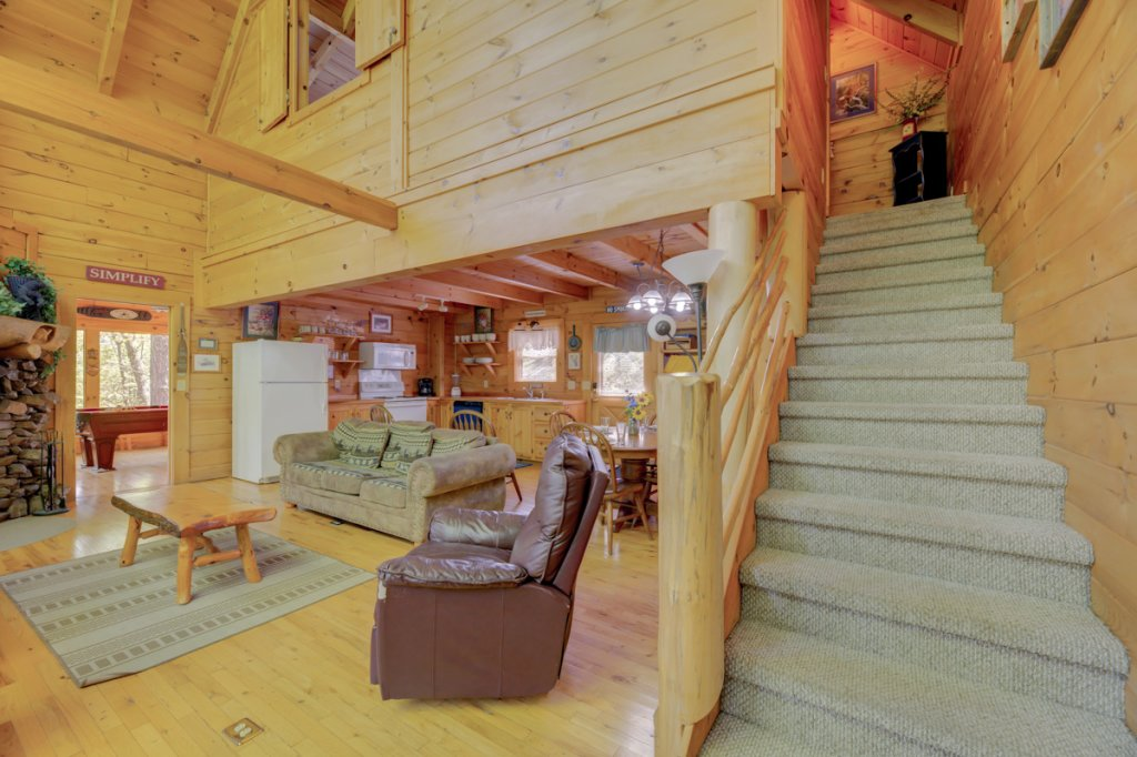 Photo of a Sevierville Cabin named Whispering Pines #33 - This is the eighth photo in the set.