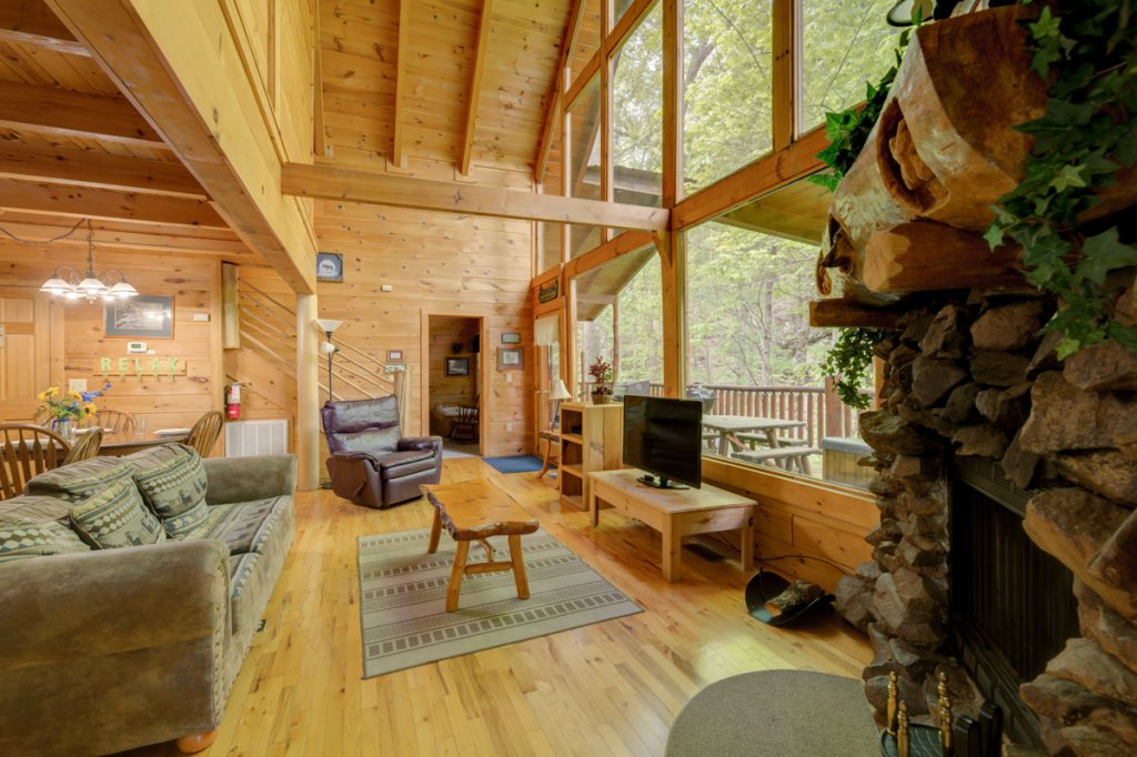 Photo of a Sevierville Cabin named Whispering Pines #33 - This is the fourth photo in the set.