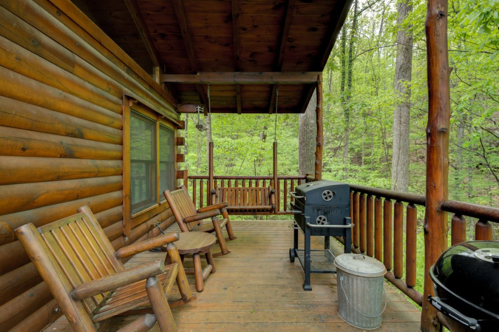 Photo of a Sevierville Cabin named Whispering Pines #33 - This is the twentieth photo in the set.