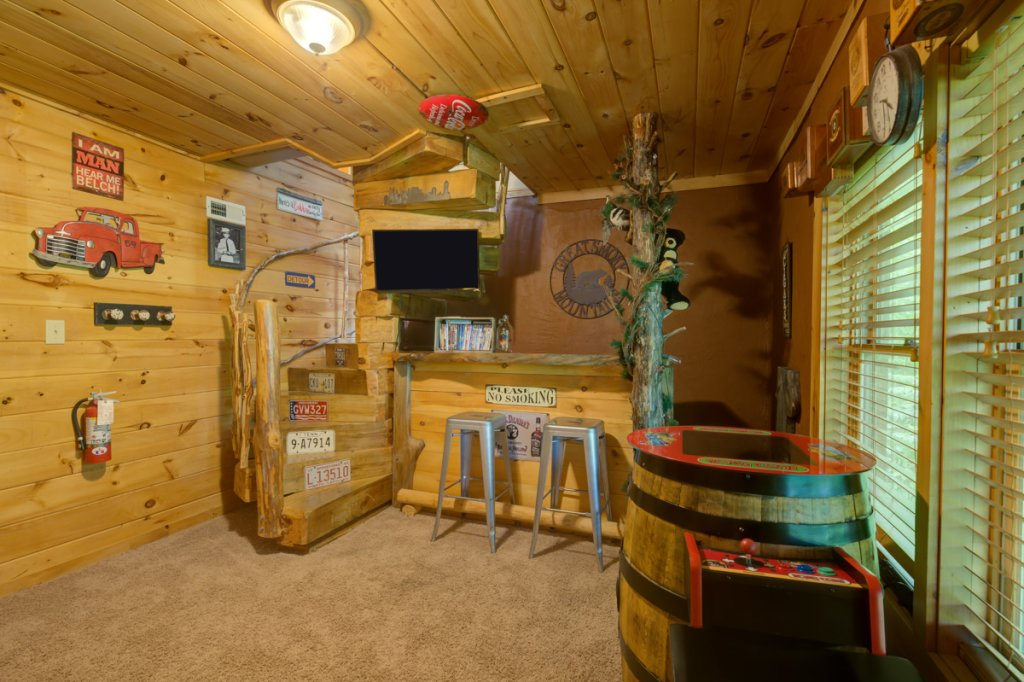 Photo of a Sevierville Cabin named Higher Ground #21 - This is the twenty-first photo in the set.