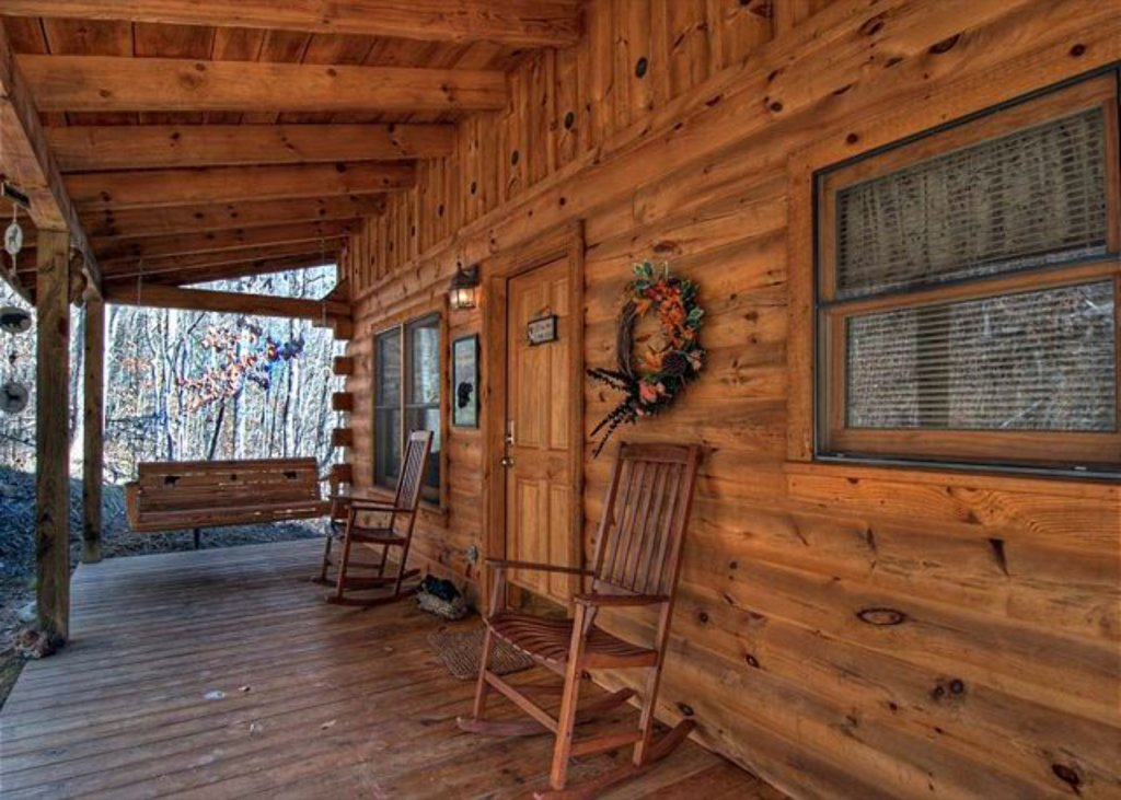 Photo of a Pigeon Forge Cabin named Mystic Mountain - This is the three hundred and eighty-fourth photo in the set.
