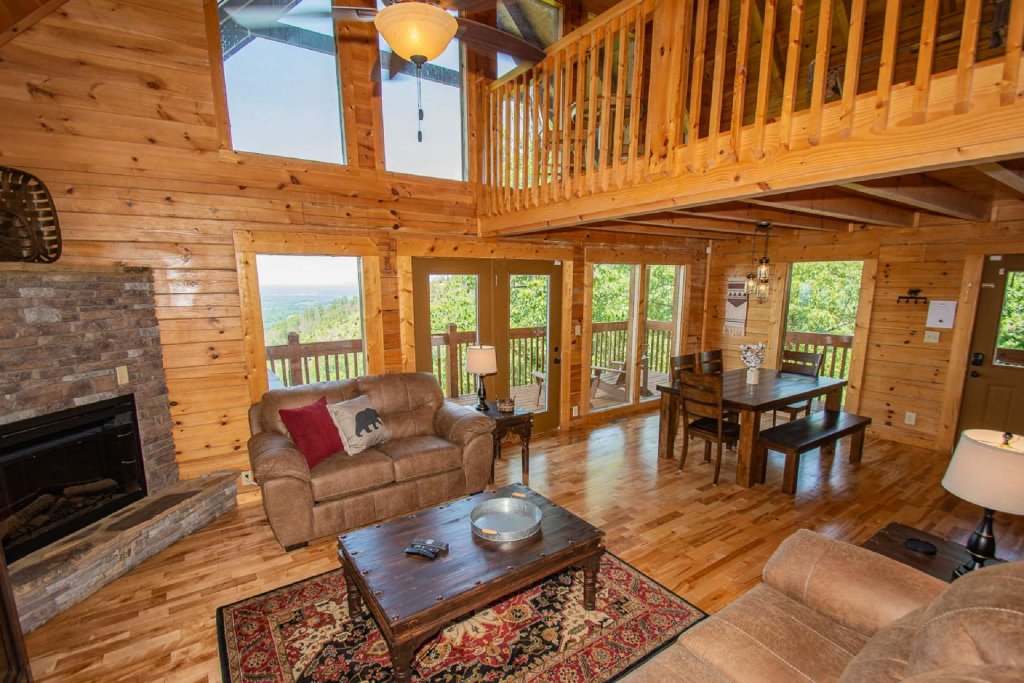 Photo of a Pigeon Forge Cabin named Falcon Ridge - This is the sixteenth photo in the set.