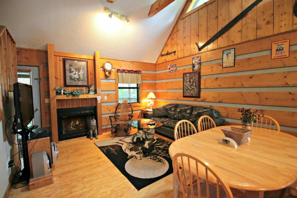 Photo of a Pigeon Forge Cabin named Dances With Wolves - This is the seventh photo in the set.