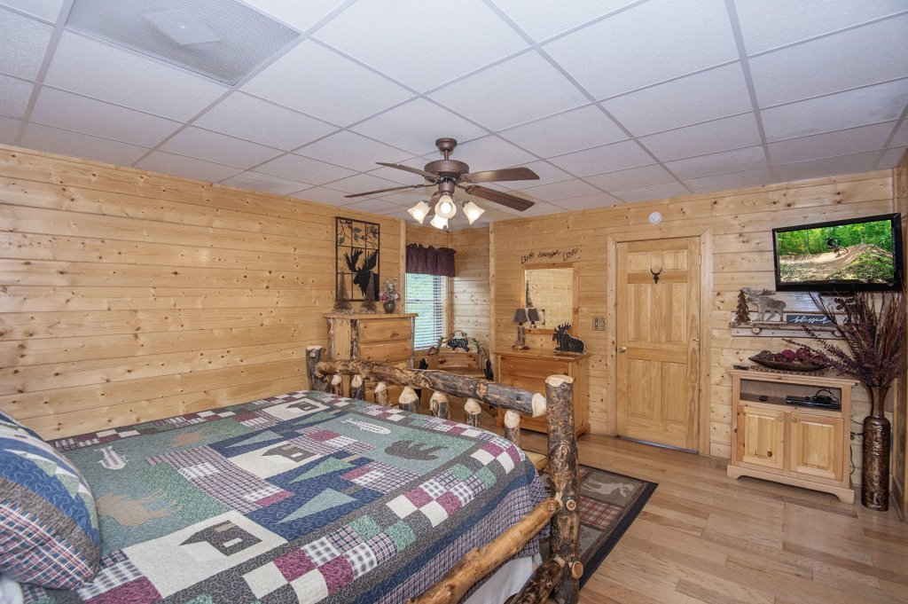 Photo of a Sevierville Cabin named  Eagle's Dream - This is the four hundred and sixteenth photo in the set.