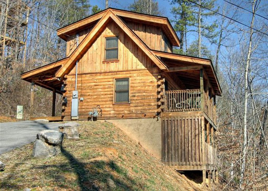 Photo of a Pigeon Forge Cabin named Mystic Mountain - This is the one thousand two hundred and sixtieth photo in the set.