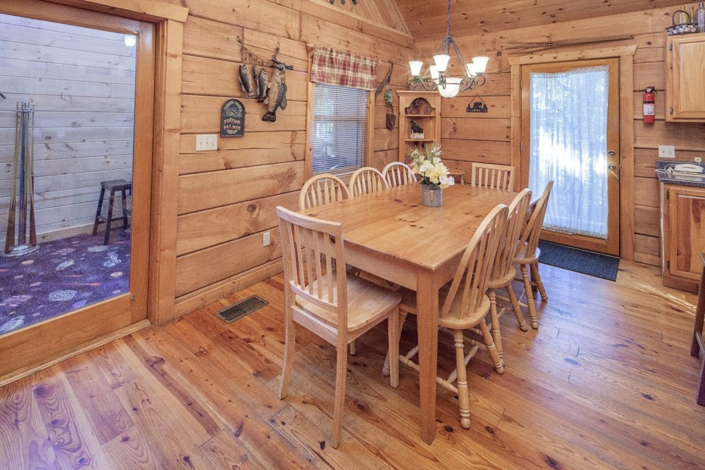 Photo of a Pigeon Forge Cabin named  Best Of Both Worlds - This is the six hundred and forty-second photo in the set.