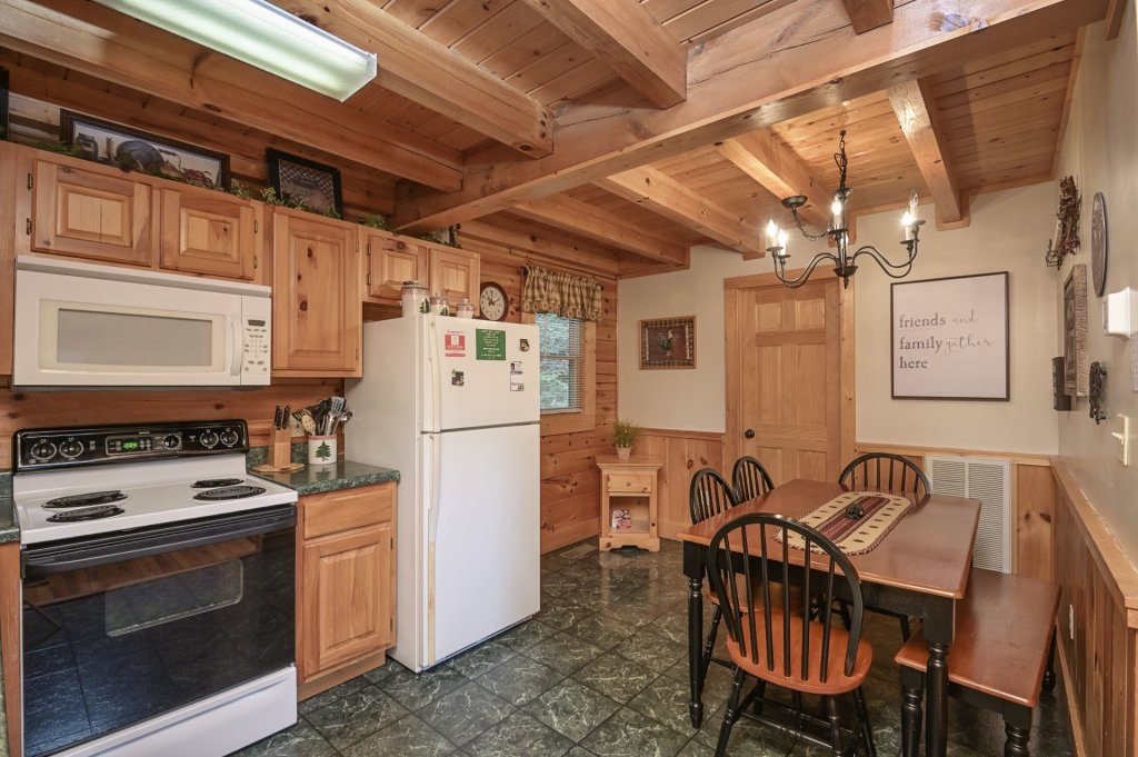 Photo of a Pigeon Forge Cabin named  Treasured Times - This is the eight hundred and sixty-second photo in the set.