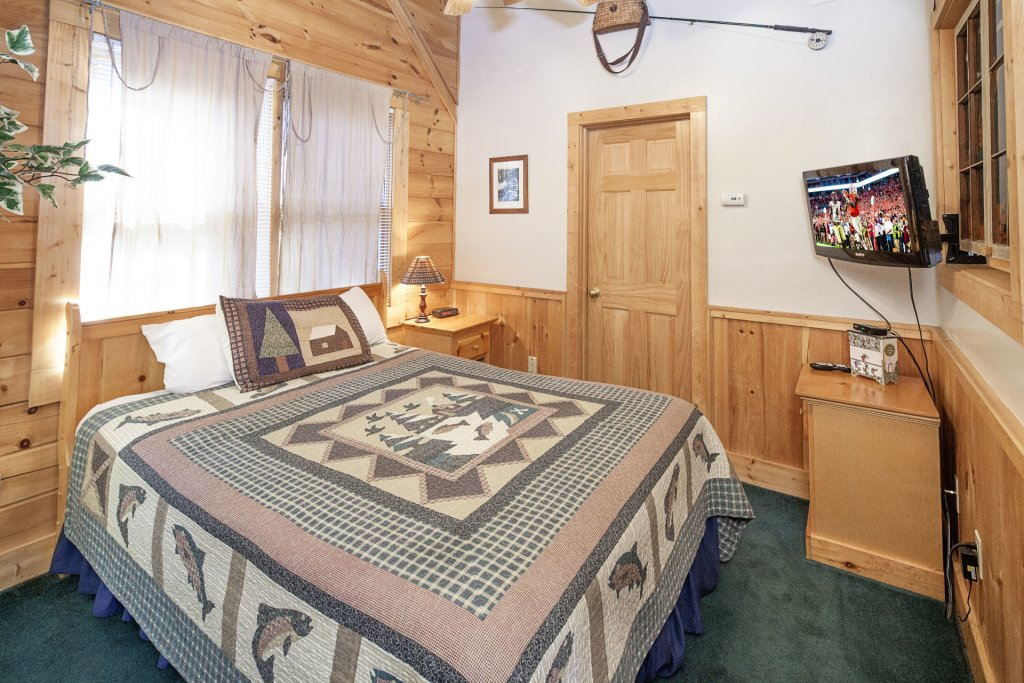 Photo of a Pigeon Forge Cabin named  Treasured Times - This is the two thousand and ninety-eighth photo in the set.