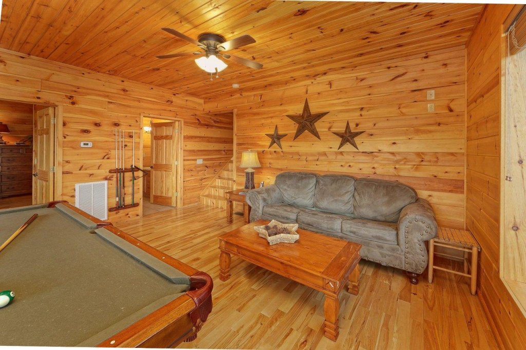 Photo of a Gatlinburg Cabin named Emerald City Lights #203 - This is the twenty-first photo in the set.