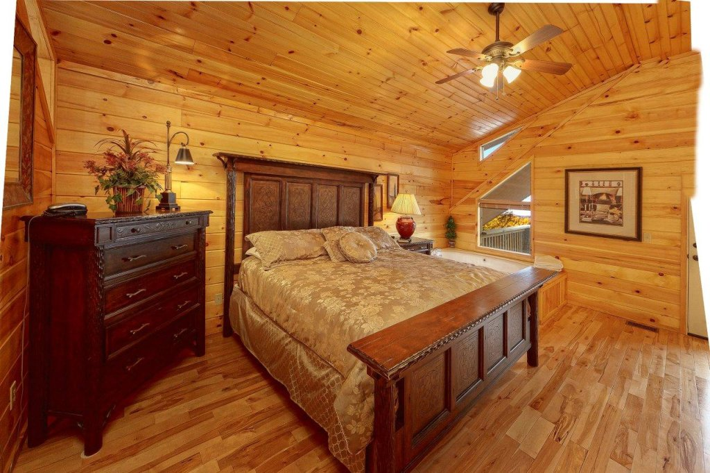 Photo of a Gatlinburg Cabin named Emerald City Lights #203 - This is the sixteenth photo in the set.
