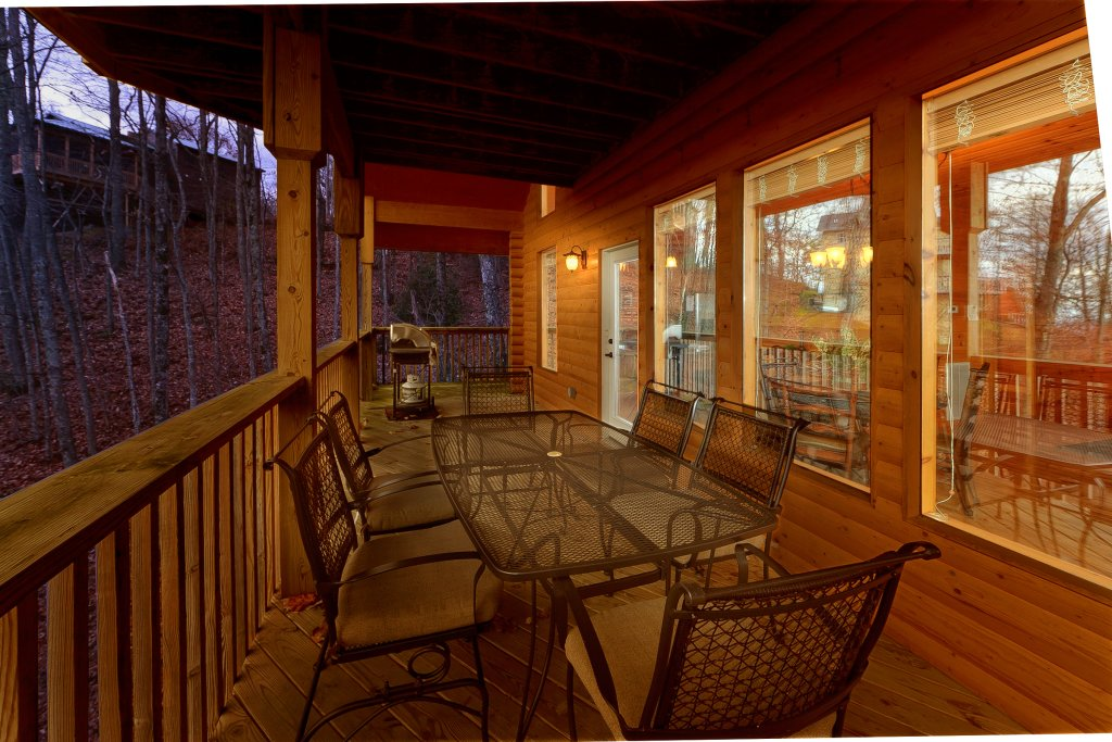 Photo of a Gatlinburg Cabin named Emerald City Lights #203 - This is the fourteenth photo in the set.